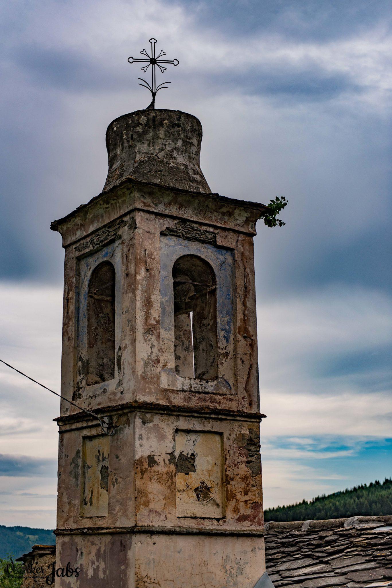 Kirchturm im Valle Maira