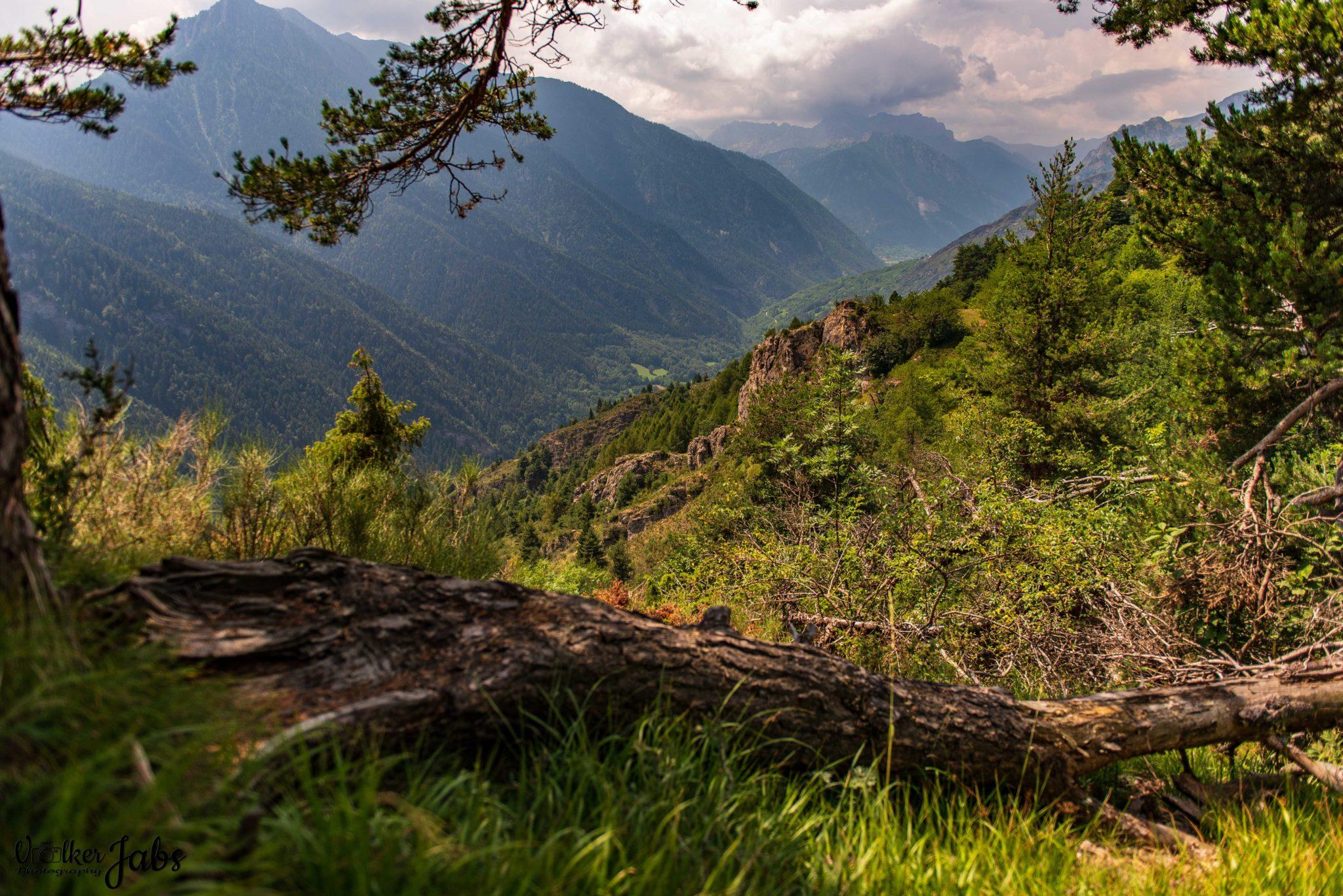 Blick übers Tal im Valle Maira